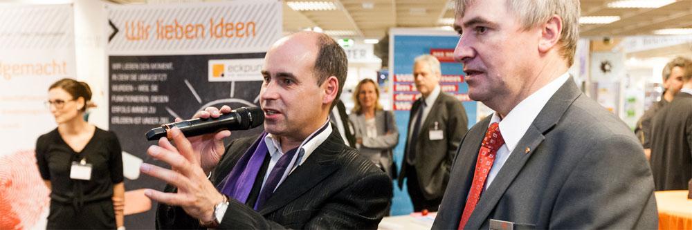 René Knizia, Autor, Referent, Moderator sowie Dozent an verschiedenen Hochschulen
